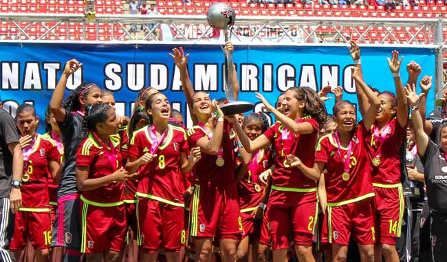 Las chicas sub17 campeonas del sudamericano | Foto: AVS