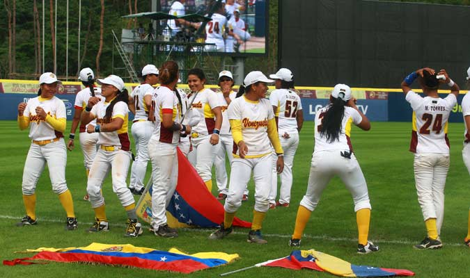 La novena venezolana celebró con algarabía en terreno extranjero