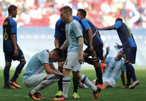Argentina quedó eliminada y enseña su decepción /Foto AP