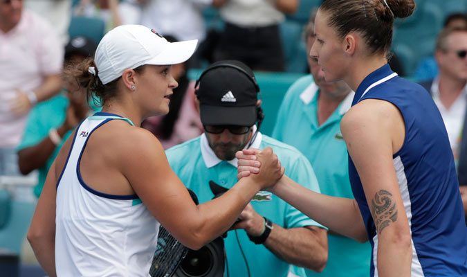 Ambas tenistas se saludaron al finalizar el encuentro/ Foto AP