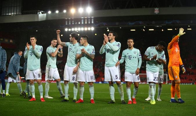 El Bayern celebró el empate en Anfield/ Foto AP