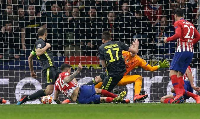 Giménez marcando el primer gol/ Foto AP