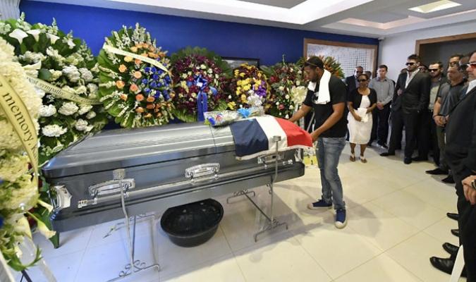 Miembros de los Reales de Kansas City viajaron a República Dominicana para despedirlo /Foto AP