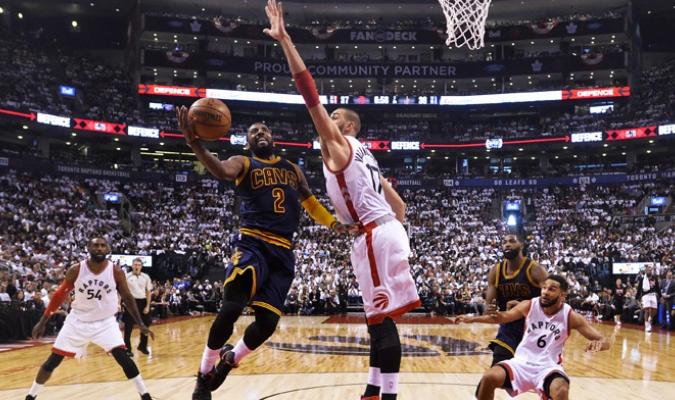 Cleveland concretó la barrida contra Toronto /Foto AP
