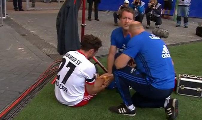 Müller siendo atendido por los médicos/ Foto Cortesía