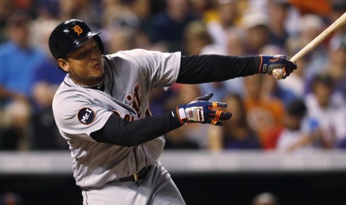 Cabrera salió del juego tras poncharse /Foto AP