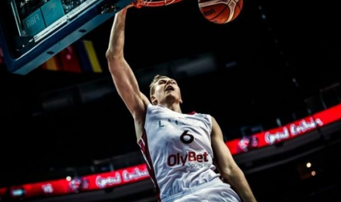 Porzingis tuvo 19 puntos   http://www.gigantes.com