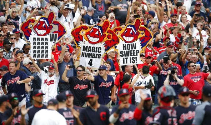 Los aficionados celebrando la victoria /Foto AP