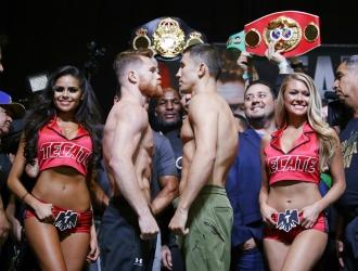 Ambos durante el pesaje /Foto AP