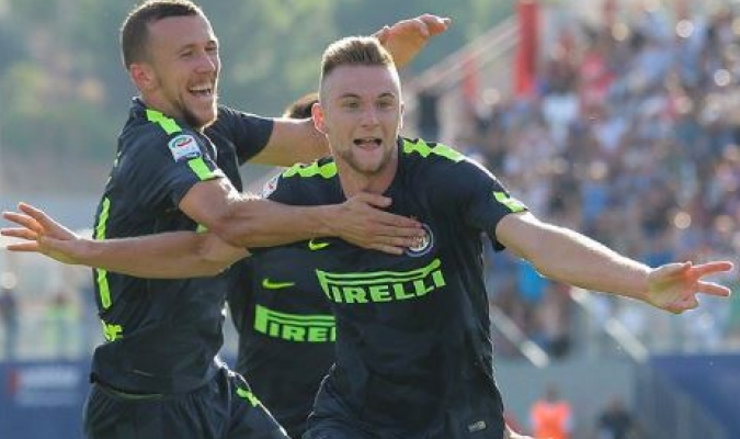 Milan Skriniar e Ivan Perisic marcaron gol |  TW: @adeyuda1908