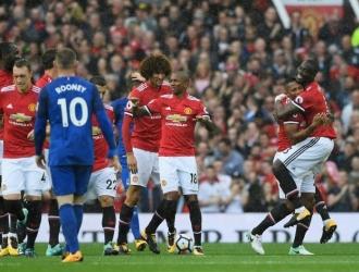 Celebraron a expensas de Rooney | TW: @ManUtd