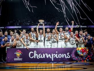 Celebraron ganarle a Serbia | TW: @ACBCOM