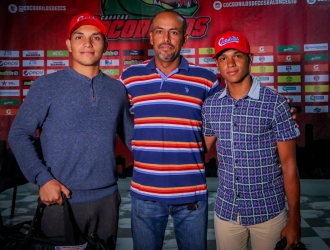 Grigori Segnini (C) con los jóvenes | Prensa Cocodrilos