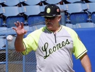 Mike Rojas estuvo en el primer día de entrenamiento /Foto Alberto Torres Lamprea