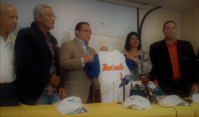 Durante la rueda de prensa / Prensa Fevebeisbol
