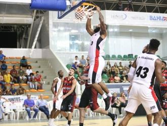 Los crepusculares clasificaron invictos a semifinales / Foto FIBA