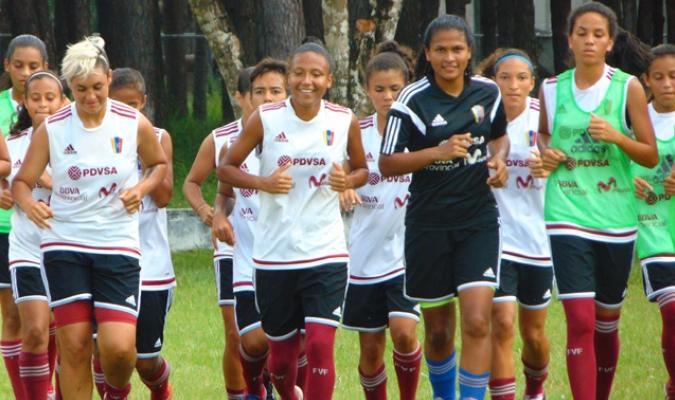 Las chicas se preparan para los Juegos Bolivarianos / Foto Prensa Femenino