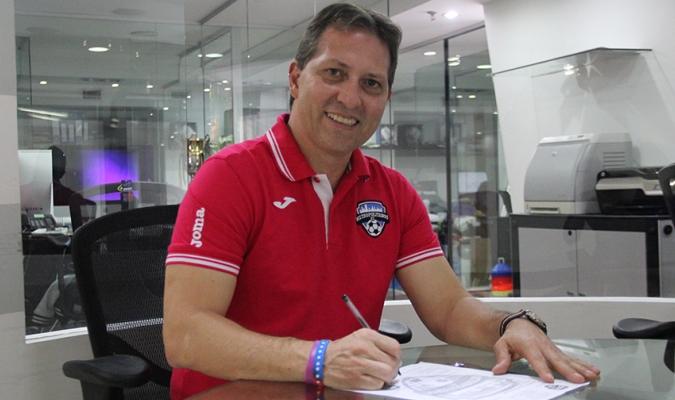 Su reto será convertir a los de la Universidad Santa María en una escuadra competitiva | Prensa Me