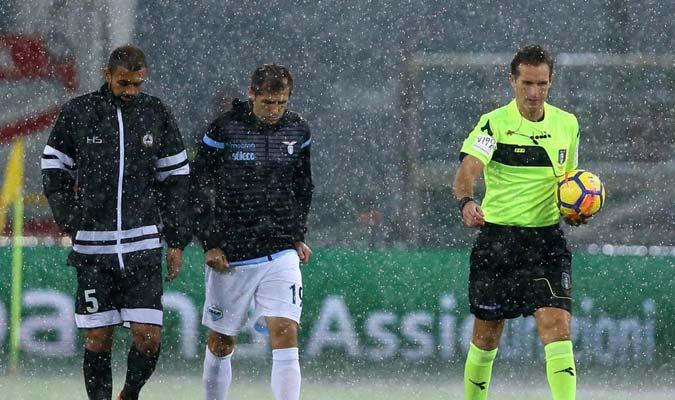 El árbitro decidió suspender el encuentro/ Foto @Udinese_1896