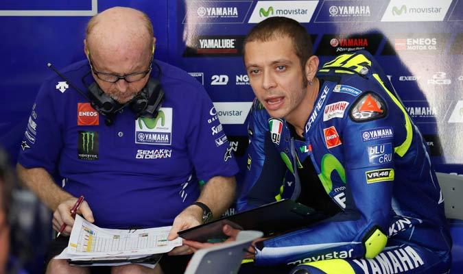 Rossi no dio seguridad de si continuara compitiendo/ Foto AP