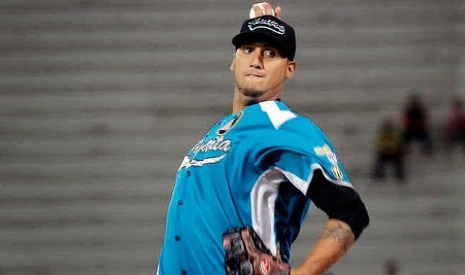 Omar Poveda agarrará la pelota en el primer compromiso de la semana  http://2.bp.blogspot.com