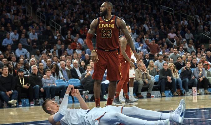 LeBron James durante el partido / AP