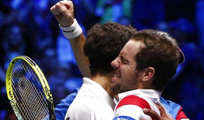 Richard Gasquet y Pierre Hugues Herbert acercan a Francia al décimo título de Copa Davis| AP