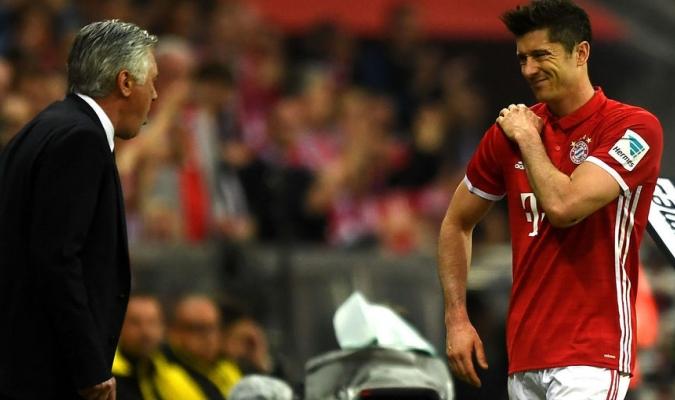 Carlo Ancelotti y Robert Lewandowski | Referencia