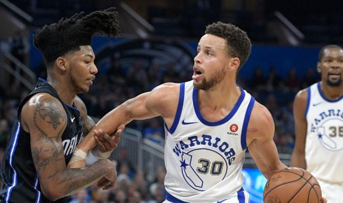 Curry aportó 23 puntos para su equipo / Foto AP