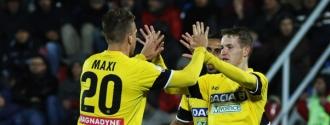 Udinese abrió una ventaja de cinco puntos / Foto AP