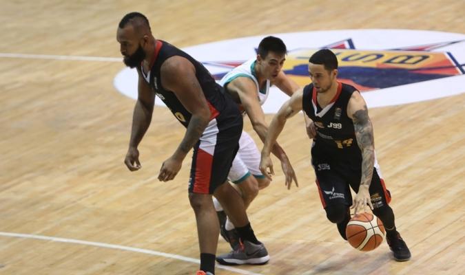 Heissler Guillent volvió a guiar a sus Guaros / Foto FIBA