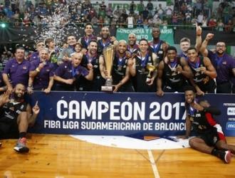 Luis Bethelmy fue decisivo en la victoria de Guaros / Foto FIBA