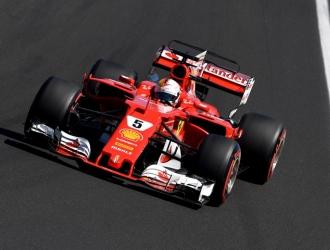 Sebastian Vettel peleó el título con Lewis Hamilton | AFP