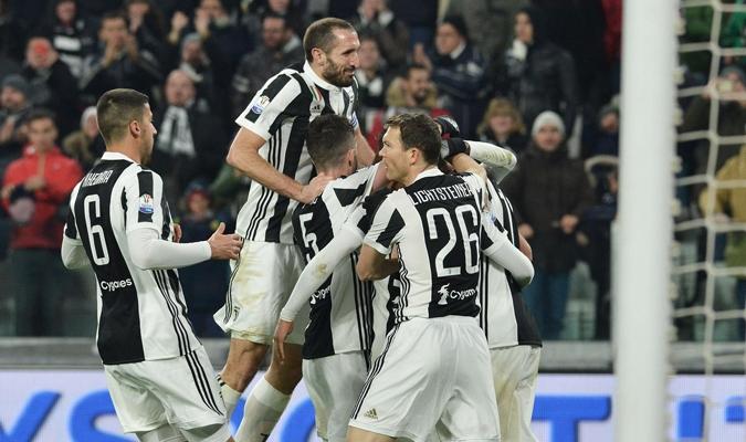 Celebrando tras un gol / AP