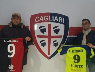 Los presidentes de los clubes intercambiaron camisetas || Foto: Prensa Ureña SC