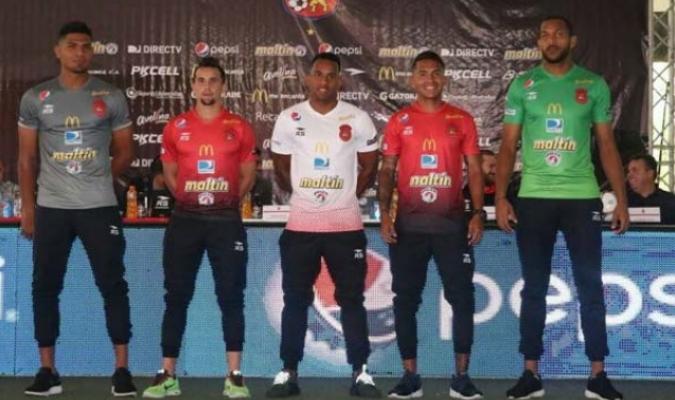 Resultado de imagen para imagenes de rueda de prensa caracas futbol club en cocodrilos de caracas 25 enero 2018