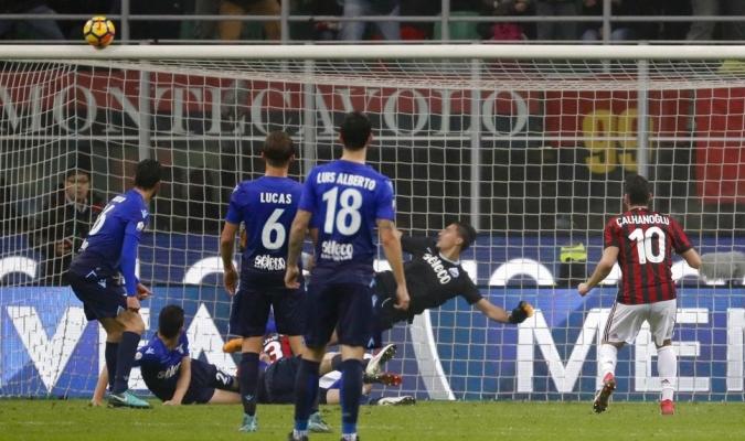 Milan y Lazio definirán todo en la vuelta / Foto AP