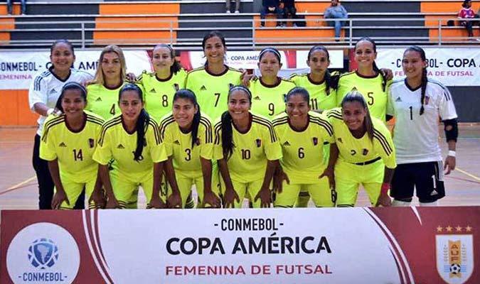 Las chicas iniciarán su preparación/ Foto AUF Fútbol Sala