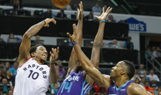 DeRozan aportó 25 puntos / Foto AP
