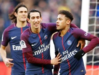 Neymar sigue en contacto con Messi / Foto AP
