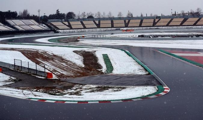 La nieve rodea todo el circuito | EFE