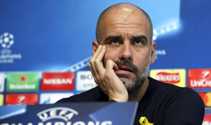 Guardiola fue cuestionado del tema catalán / Foto AP