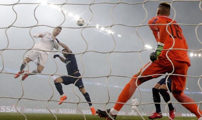 Cristiano Ronaldo ante el PSG / AP