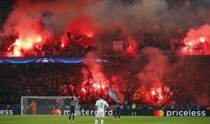Fanáticos del PSG en el partido contra el Real Madrid / AP