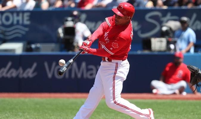 Ezequiel Carrera con los Azulejos / Foto: MLB