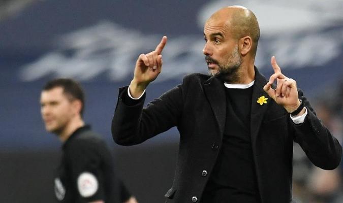 Guardiola dando indicaciones / Foto EFE