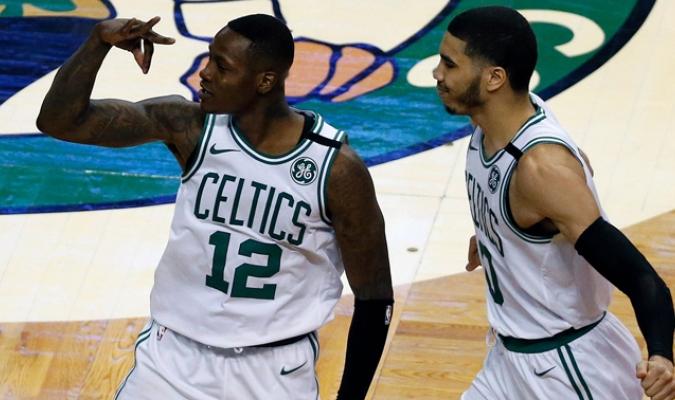 Celtics ganan el primero en playoff / AP