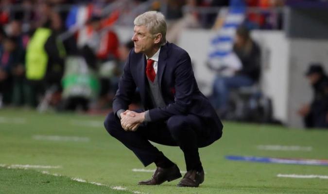 Wenger lamentó la derrota / Foto AP