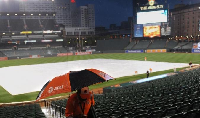 La lluvia sigue haciendo estragos en Grandes Ligas / Foto MLB