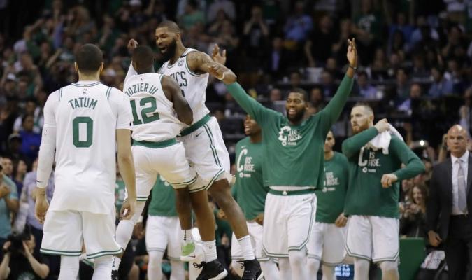 Boston se va a Cleveland con más ventaja / Foto AP